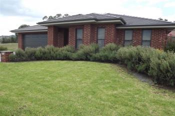 2/42 Honeyeater Cct, Thurgoona, NSW 2640