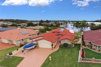 21 Bayview Dr, Yamba, NSW 2464