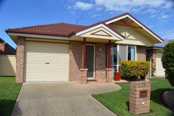 33 Lady Nelson Pl, Yamba, NSW 2464