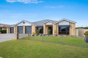 8 Bayview Dr, Yamba, NSW 2464