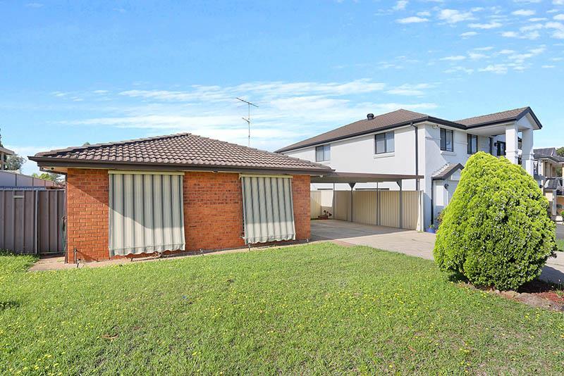 156  Quarry Rd, Bossley Park, NSW 2176