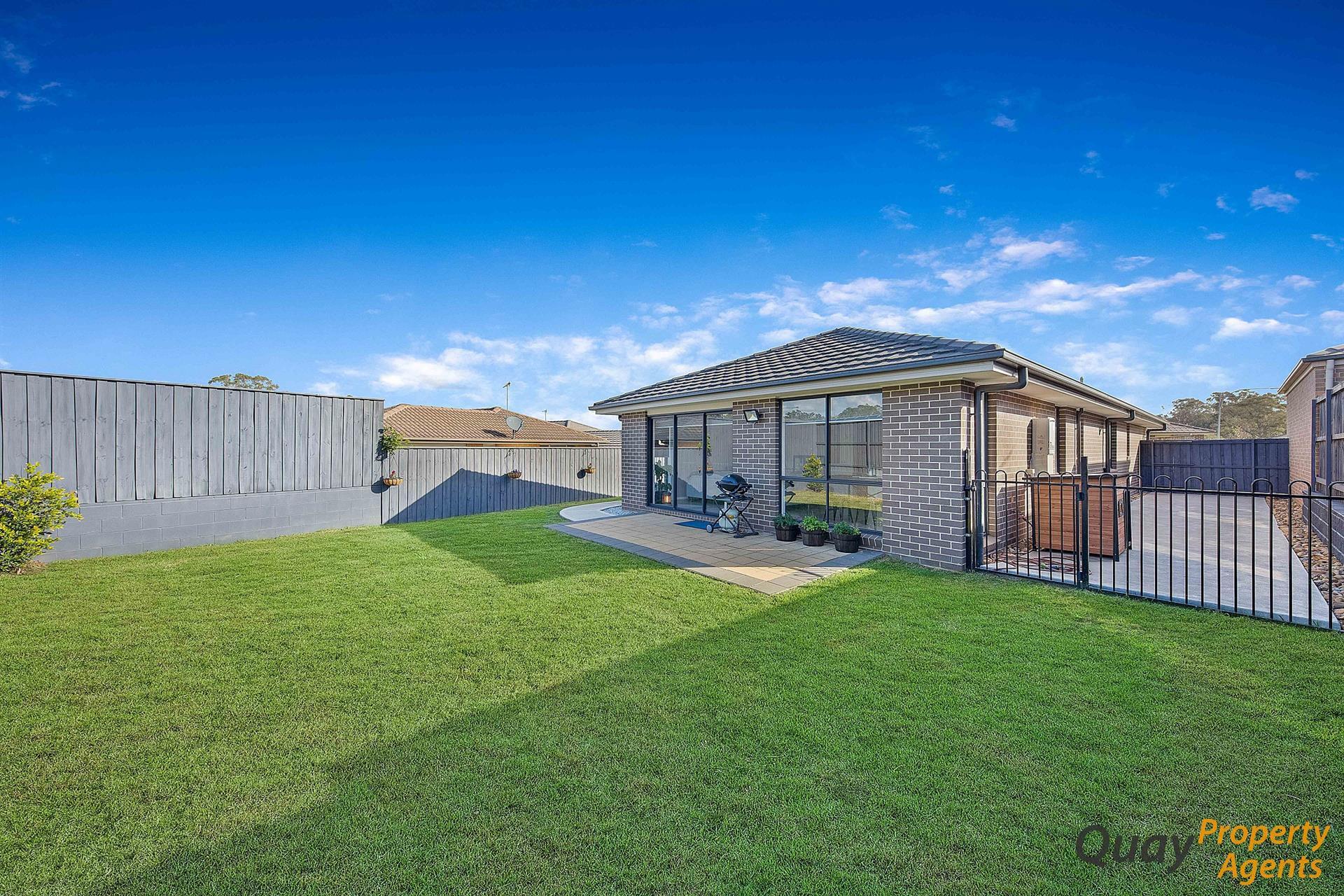 4 Kerr Rd, Spring Farm, NSW 2570