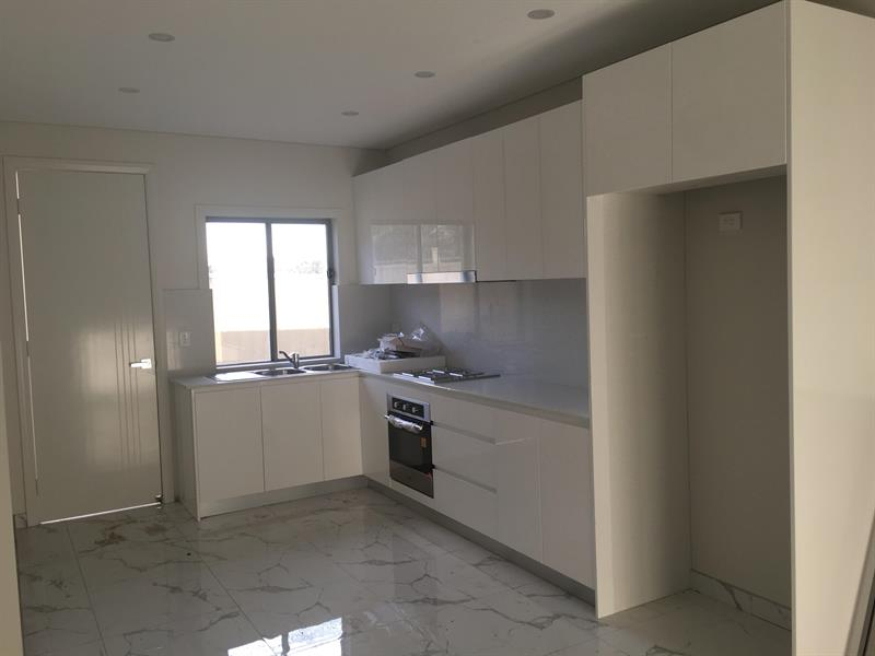 2 Vineyard Ave, Smithfield, NSW 2164