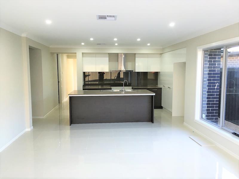 9 Kirby Way, Oran Park, NSW 2570
