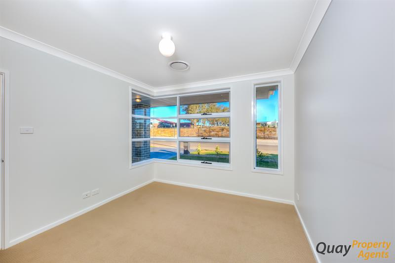 8 Phillips St, Oran Park, NSW 2570