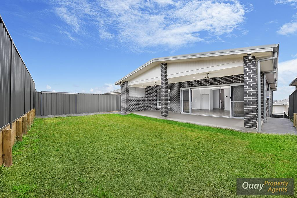 7 Cumberland Rd, Gregory Hills, NSW 2557