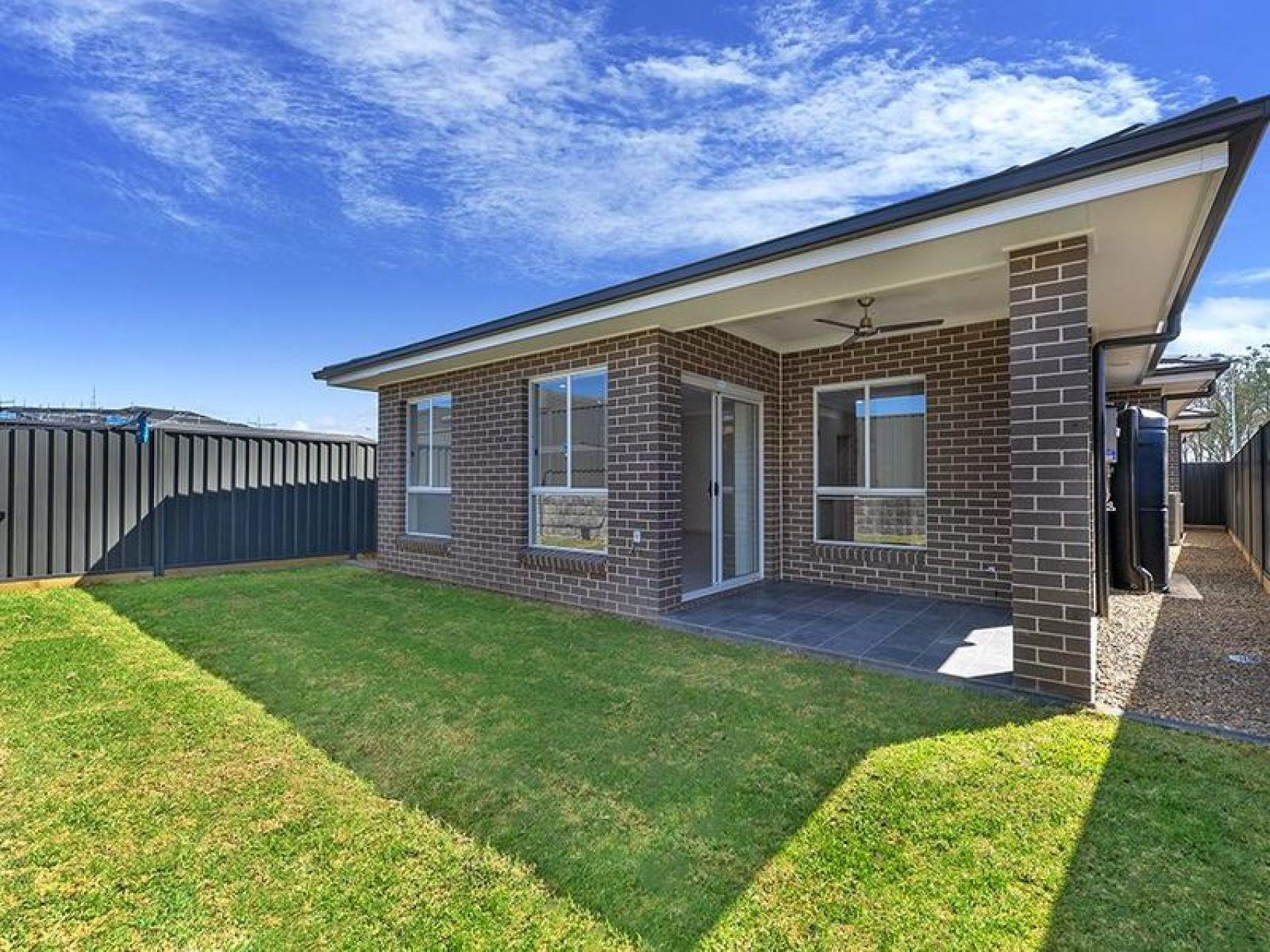 72B Donovan Bvd, Gregory Hills, NSW 2557
