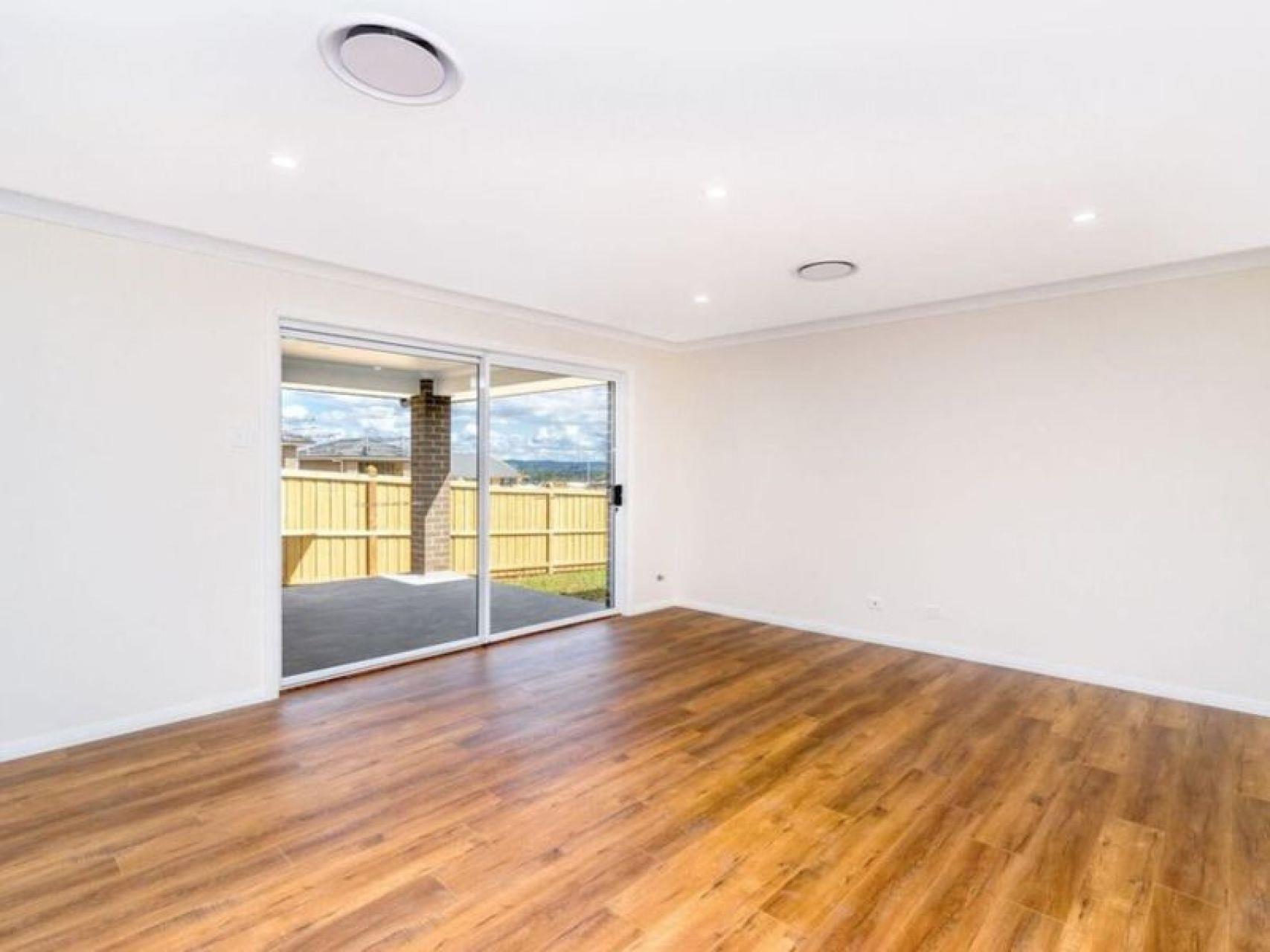 3B Austen Cct, Oran Park, NSW 2570