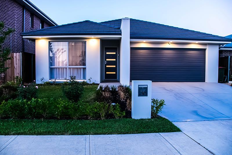 36 Silverwood St, Gledswood Hills, NSW 2557