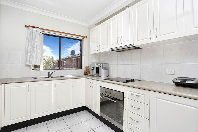9/8 Beale St, Liverpool, NSW 2170