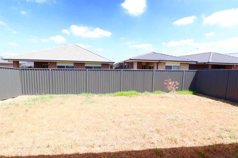 62 Nicholson Pde, Spring Farm, NSW 2570