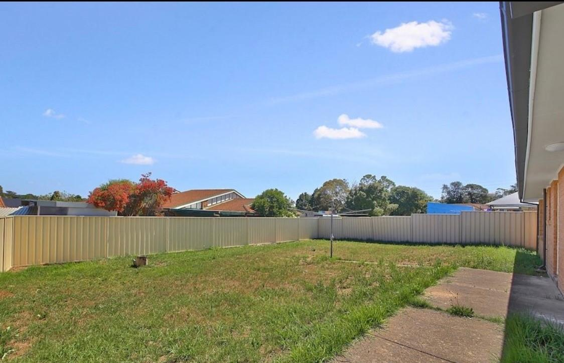 9 Greengate Rd, St Helens Park, NSW 2560