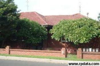 North Wollongong, address available on request