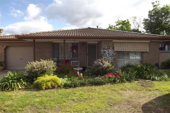 2/5 Glendaloch Ct, Lavington, NSW 2641