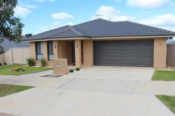 38 Lawson Cct, Lavington, NSW 2641