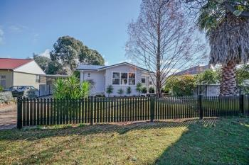 17 Kearneys Dr, Orange, NSW 2800