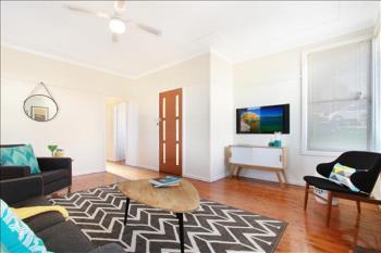 12 Hickman St, Mount Saint Thomas, NSW 2500