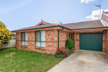 2/19 Turner Cres, Orange, NSW 2800