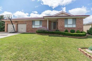 11 Bert Whiteley Pl, Orange, NSW 2800