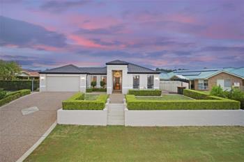 22 Lochend Cct, East Maitland, NSW 2323