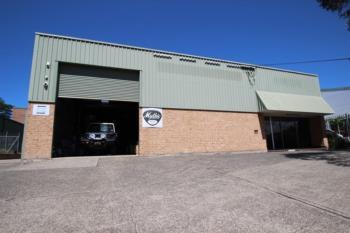 13 Waverley Dr, Unanderra, NSW 2526