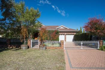 8 Booth Cres, Orange, NSW 2800