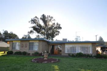 11 Broad St, Eugowra, NSW 2806