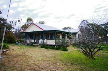 13 Rifle Range Rd, Uralla, NSW 2358