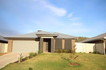 33 Hanrahan St, Lavington, NSW 2641