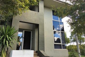 2 Brampton Ave, Glenfield, NSW 2167