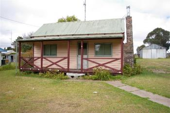 4 Rowan Ave, Uralla, NSW 2358