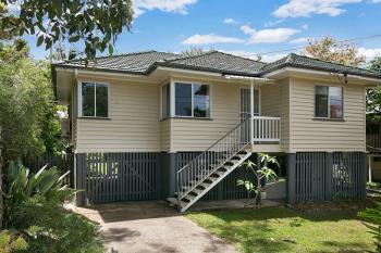 16 Hefferan St, Fairfield, QLD 4103