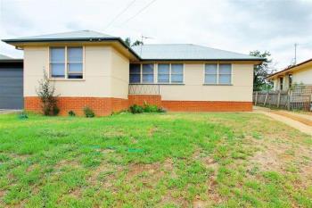 31 Gilmore Ave, Mount Austin, NSW 2650