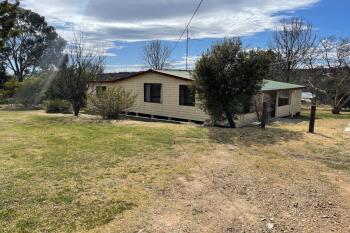 35 John St, Uralla, NSW 2358