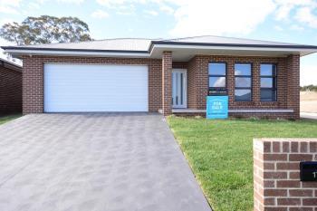 17 Haywood Dr, Orange, NSW 2800