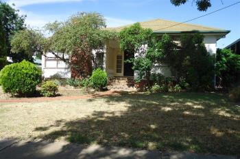 15 Mount Austin Ave, Mount Austin, NSW 2650