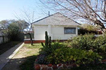 23 Manoora Ave, Mount Austin, NSW 2650