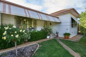 15 Tucker St, Turvey Park, NSW 2650