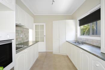 12 Antrim Ave, Warilla, NSW 2528