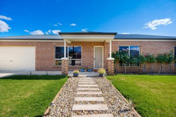 7 Cobby Ct, Lavington, NSW 2641