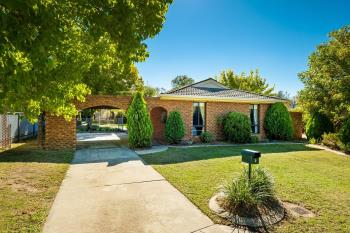 9 Troon Ct, Thurgoona, NSW 2640