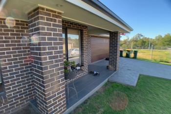 5 Auld St, Elderslie, NSW 2570