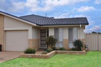 2/8 Mcmillan Pl, Forbes, NSW 2871