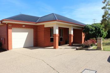 1/68 Mountainview Dr, Lavington, NSW 2641