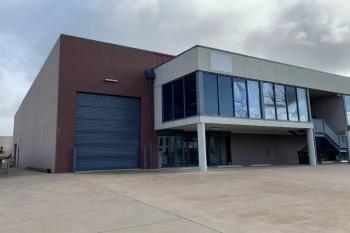 1/2 Gateway Cres, Orange, NSW 2800
