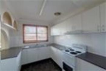 4 Highclere St, Bateau Bay, NSW 2261