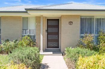 1/11 Yallimbah Ave, Tanilba Bay, NSW 2319