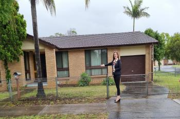 27 Hanna  Ave, Lurnea, NSW 2170