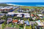 19 Macquarie Gr, Caves Beach, NSW 2281
