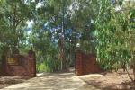 351 Boscombe Rd, Brookfield, QLD 4069